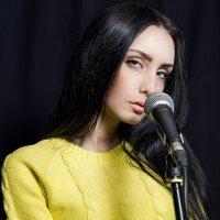 Microphone :: Мария Буданова