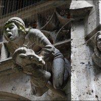Фасад, украшают скульптуры исторических личностей и персонажи немецких легенд. :: Anna Gornostayeva