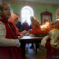 сестренки на Пасху :: Мария Корнилова
