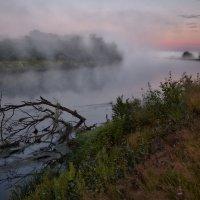 Дымность реки... :: Roman Lunin