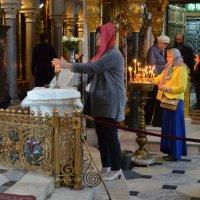 Благодатный огонь во Владимирском соборе :: Ростислав