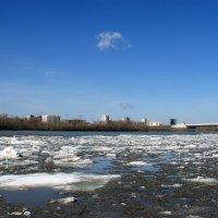 Ледоход на  реке Иртыш :: раиса Орловская