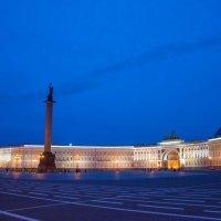 Дворцовая площадь :: Михаил Сахнов