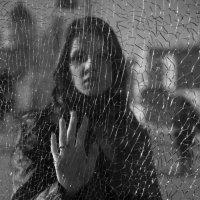 По ту сторону разбитого стекла :: Сергей Тузов