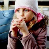 О чем задумалась, Саша? :: Ольга