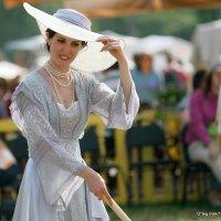 литературный образ или дама в шляпе и платье за игрой :: Олег Лукьянов