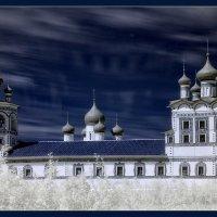 За городом - женский монастырь :: Наталья Алешина