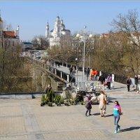 Весна в городе. :: Роланд Дубровский