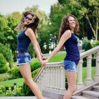 С сестрой :: Ксения Базарова