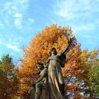 Осень в парке :: Ольга