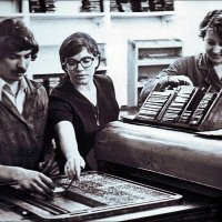 Вёрстка газеты старым способом.  1978 год :: Нина Корешкова