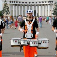 барабанщики задают ритм и настроение :: Олег Лукьянов