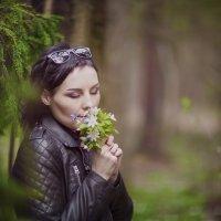 Анютка, кадр с прогулки по лесу :: Alex Lipchansky