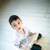 Читать нужно всегда! :: Михаил Кучеров