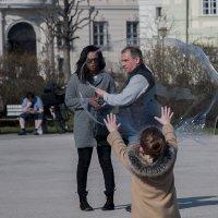 Мыльный пузырь :: Елена Попова