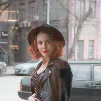 Девушка в шляпе :: Marina Ostrianinova