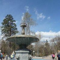 Фонтан в парке нефтехимиков :: Галина