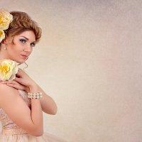 Девушка с пионами :: Светлана Мороз