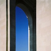 Взгляд сквозь колонны :: Сергей Тарабара