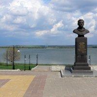 Памятник Ю.Гагарину :: Татьяна Черняева