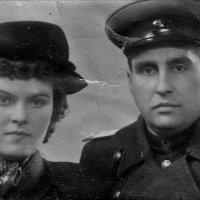 Ветеран Великой Отечественной войны с женой Надеждой :: Нина Корешкова