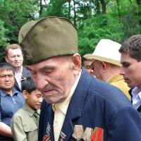 И пусть последний бой давно затих, но ветеран останется солдатом… :: Anna Gornostayeva