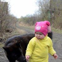 Девочка и собачка Лесси :: Anatolyi Usynin