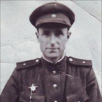 Младший лейтенант И.П. Чёрный.  Берлин, май 1945 года :: Нина Корешкова
