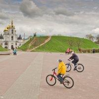 Центральная площадь Дмитрова. :: Виктор Евстратов