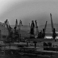 Рассвет в Красноводском порту 1979 :: Александр Туманов