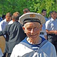 ... а улыбка юнги осталась... :: Александр Бойко