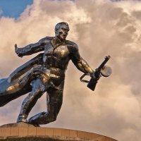 Памятник советскому воину под Н-Одессой Николаевская область :: Free