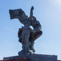 У мемориального обелиска освободителям Риги :: Александр Творогов