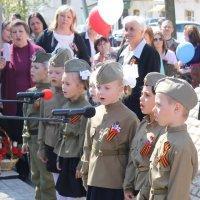 Когда поют солдаты - спокойно дети спят. :: Михаил Попов
