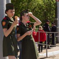 9 мая, девушки юннармейского отряда :: Владимир Нефедов