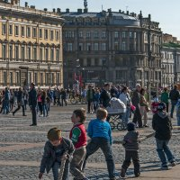 Перетягивание каната на Дворцовой площади. :: Владимир Питерский