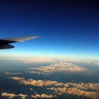 Полет над страной гор :: Дмитрий Загорский