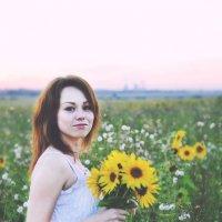 В летнем закате :: Valery Bogatireva