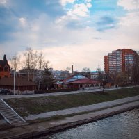 Пасмурная набережная :: Olga Photo