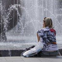 Майский полдень у фонтана... :: Pavel Kravchenko
