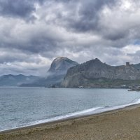 Судак, пляж, утро :: Игорь Кузьмин