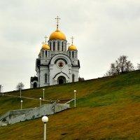 Храм Георгия Победоносца (2001 г.) на пл. Славы в Самара :: Денис Кораблёв