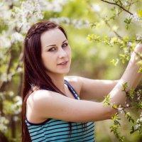 Люба, май 2015 г, в деревне. :: Alex Lipchansky