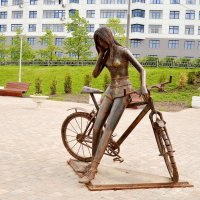 Велосипедистка. :: Владимир Болдырев