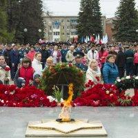 Возложение венков и цветов чтобы помнили :: Владимир Максимов