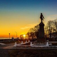 Памятник Петру I, на закате :: Алексей Калугин