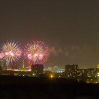 Салют над Москвой. :: Yuri Chudnovetz