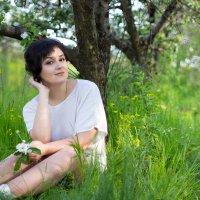 весна в саду... :: Райская птица Бородина