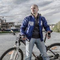Велосипедист :: Александр Ивашков