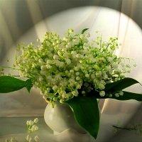 """""""Счастье, как и весна, каждый раз меняет свой облик."""" :: Инна"""